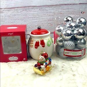 BUNDLE CHRISTMAS COOKIE JAR AND DECOR